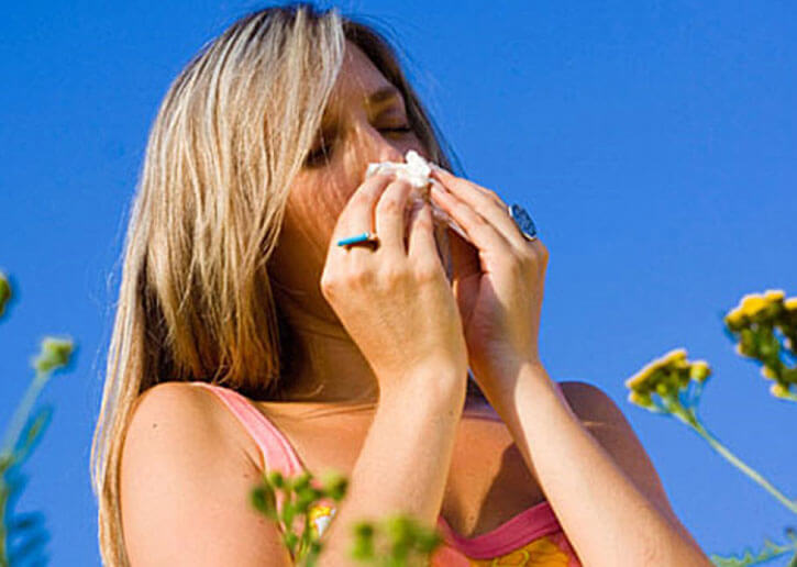 аллергический насморк у женщины