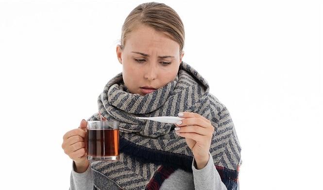 Простуда, чай и градусник